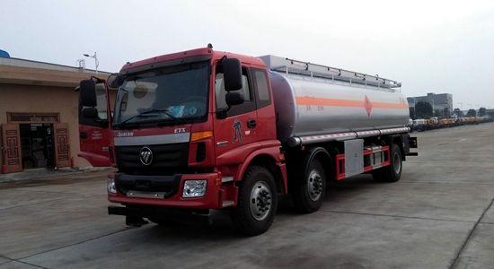 欧曼小三轴油罐车(国五)