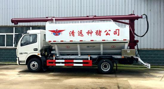 多利卡散装饲料运输车