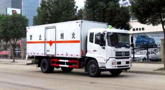 天锦爆破器材运输车