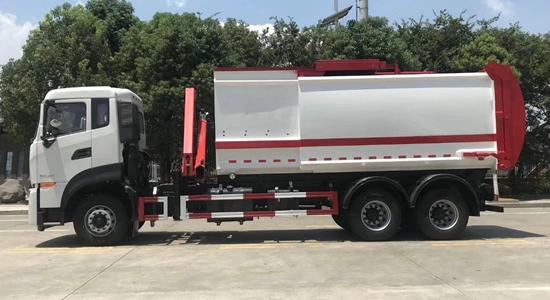 天龙套臂垃圾车(国六)