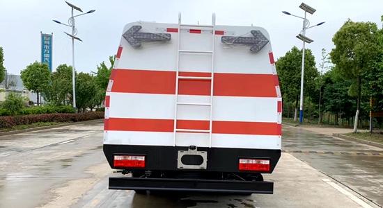 城市护栏清洗车(国六)