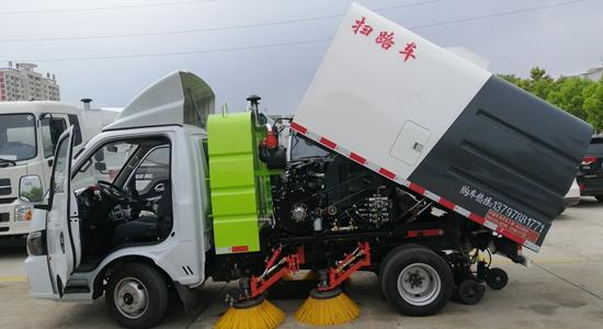 东风途逸扫路车