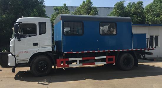 东风锅炉车